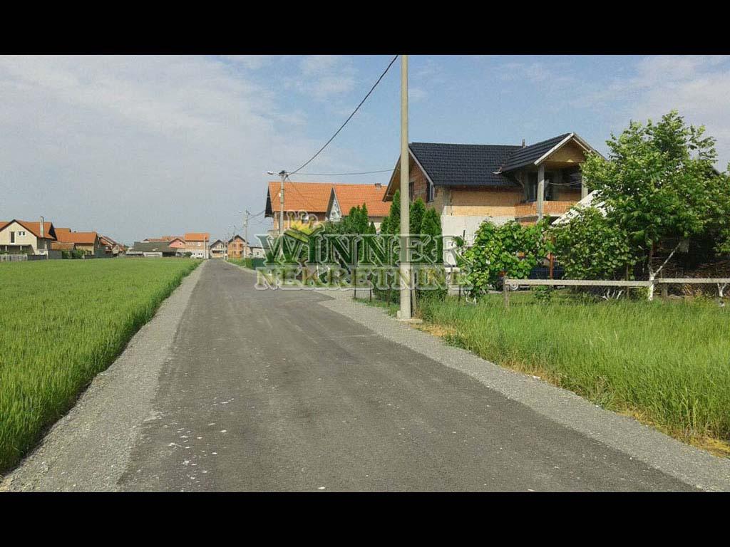 Prodaja Plac Zemun Batajnica uknjizeno dozvoljena gradnja agencija winner nekretnine
