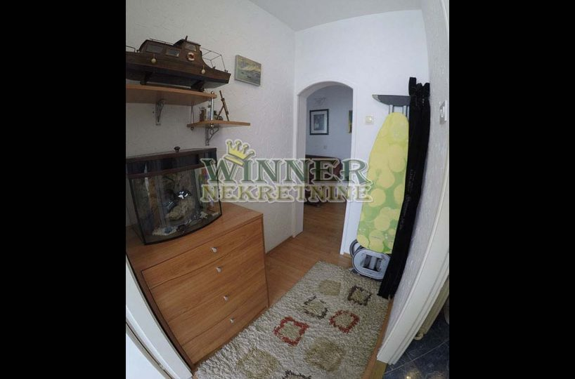Zemun Sava Kovacevica Stan, prodaja, renovirano, uknjizeno, agencija za promet nekretnina, promet, ponuda, nekretnine