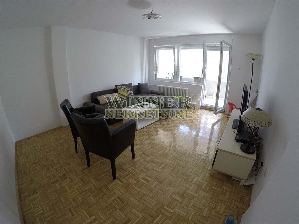 Prodaja stan Novi Beograd renovirano uknjizeno useljivo promet ponuda blokovi agencija za promet nekretnina stanovi winner nekretni