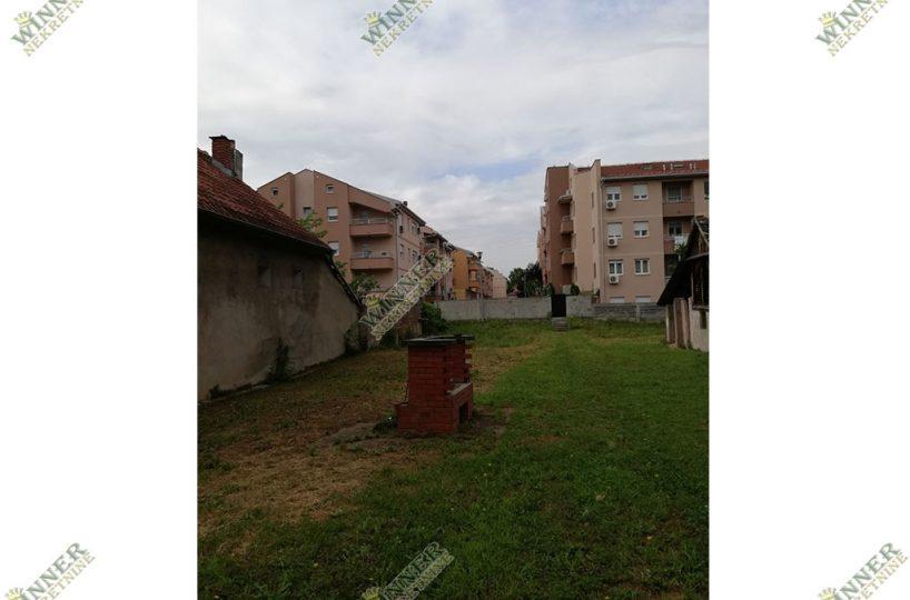 Izdavanje Kuca i plac Zemun, naselje Sava Kovacevic, ulica Ugrinovacka, agencija promet nekretnine winner nekretnina zemljiste,