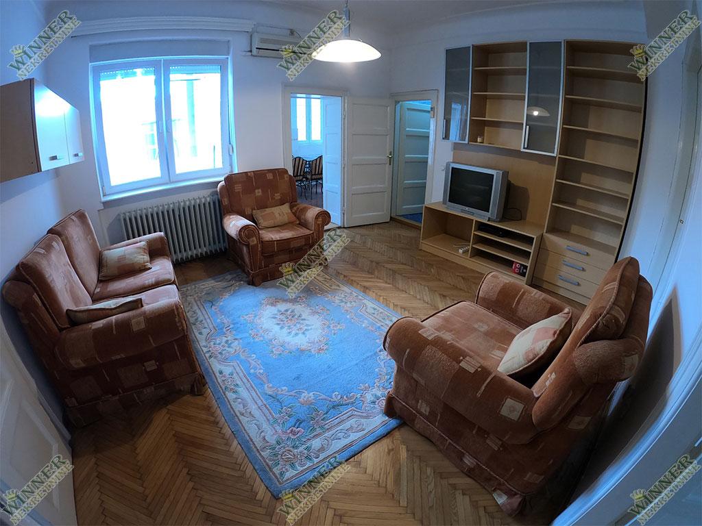 Prodaja Salonac Savski Venac, Kraljice Natalije, uknjizen, trosoban, renovirano, odmah useljiv, agencija, promet, winner nekretnine